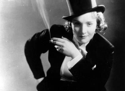 Marlene Dietrich - viena pirmųjų aktorių, apsivilkusi smokingą